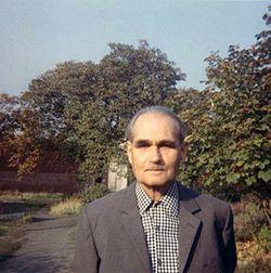 Rudolf_Hess_in_Spandau_1974